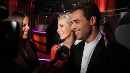 Ben Adams og dansepartner Tone Jacobsen blir intervjuet etter at de har kommet videre i konkurransen.
