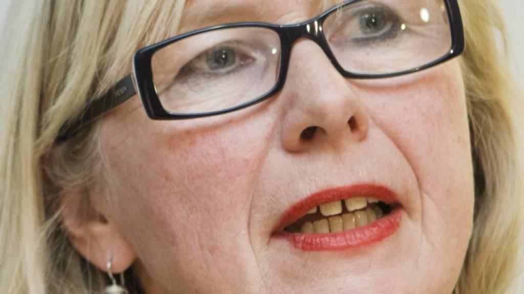 FÅR KRITIKK: ¿ Bente Mikkelsen opptrer som om hun kan velge å se bort fra det faktum når det har gått galt. Det er uholdbart, sier Bent Høie, leder av Stortingets helse- og omsorgskomité.  (Foto: Roald, Berit/NTB scanpix)