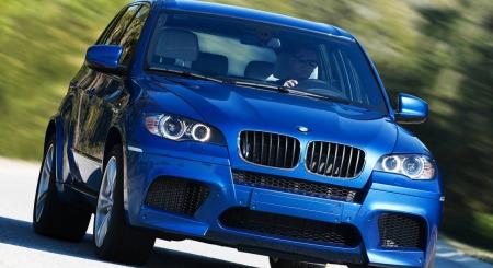 Dette er BMW X5M slik originalen ser ut. Den kom på markedet i 2010 - og har 555 hk.