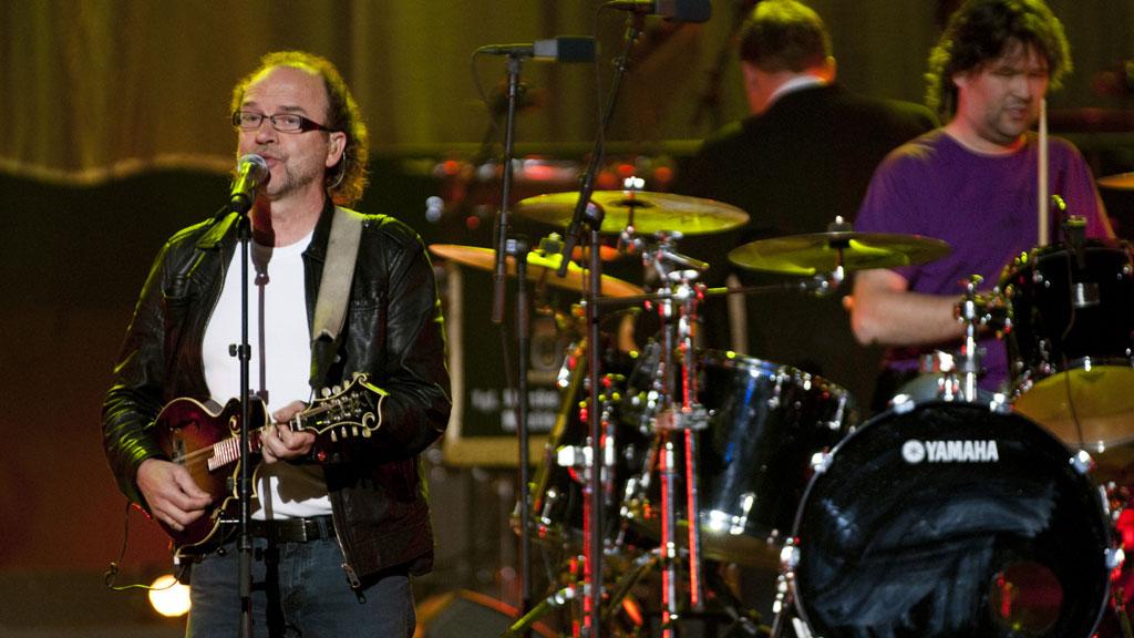 FØLER SEG MOBBET: Gitarist og låtskriver i D.D.E, Frode Viken føler seg mobbet av norske musikkanmeldere.
