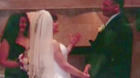 GIFTET SEG: Søsteren til Stilley arrangerte bryllyp for henne og kjæresten slik at hun skulle få gifte seg før hun døde.  (Foto: CBS)