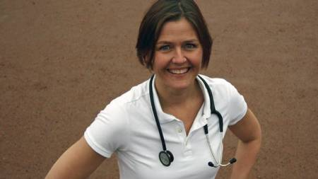 NY SPORTYEKSPERT: Aina Emaus er lege ved Stamina HOT Bedriftshelsetjeneste i Oslo. (Foto: Eivind A. Pettersen / TV 2/)