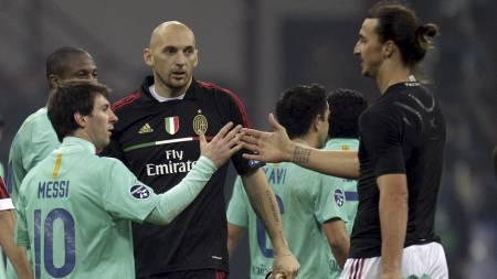 IKKE IMPONERT: Zlatan mener noen andre enn Messi bør vinne Gullballen denne sesongen. (Foto: Luca Bruno/Ap)