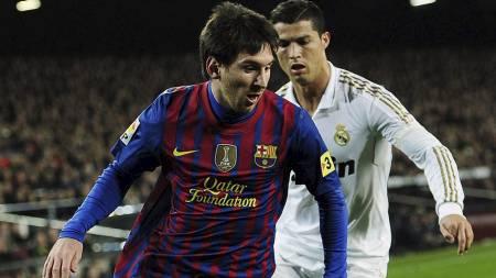 HAKKET BEDRE? Ekspertene mener Messi fremdeles er bedre enn Ronaldo. (Foto: Manu Fernandez/Ap)