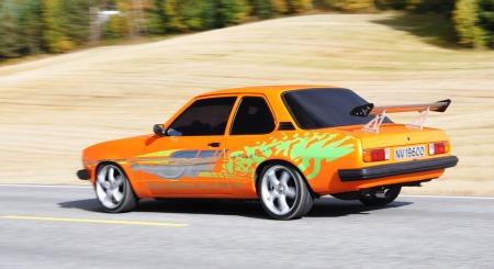 Opel Ascona hovedbilde i bevegelse II