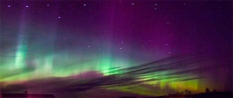 Nordlys over Magnor i Hedmark natt til onsdag. (Foto: Rose-Marie Karlsen)