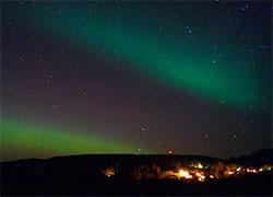 Nordlys over Bjørkelangen. (Foto: Stian Norum Herlofsen)