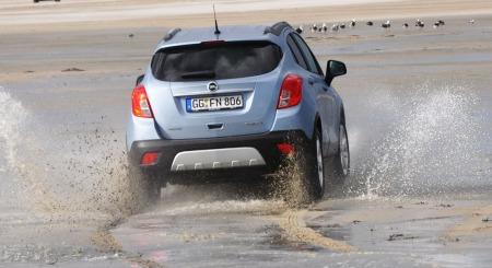 Opel Mokka detalj actionfoto bakfra