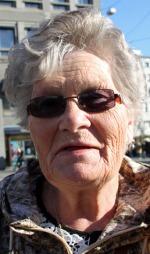 Anne Cox (65) frykter flere ting med å bli eldre, men døden er hun ikke redd for. - Jeg er personlig kristen, og vet jeg kommer til et bedre sted, sier hun.