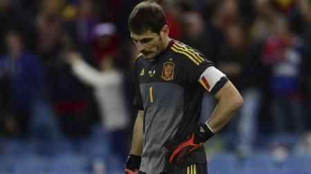 DEPPET: Iker Casillas stoppet på 799 minutter uten baklengsmål. (Foto: JAVIER SORIANO/Afp)