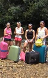 Ingen kjære mor-jenter på tur. (Foto: TV 2)