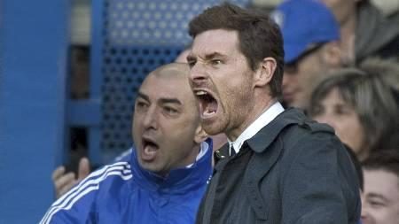 Roberto Di Matteo (til høyre) har gjort stor suksess i Chelsea. Det maktet ikke dagens Tottenham-manager, André Villas-Boas, da han var sjef på Stamford Bridge. (Foto: BEN STANSALL/Afp)