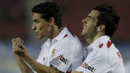 NY CITY-DUO: Jesus Navas og Álvaro Negredo skifter begge beite fra Sevilla til Manchester City denne sommeren. (Foto: Manu Mielniezuk/AP)