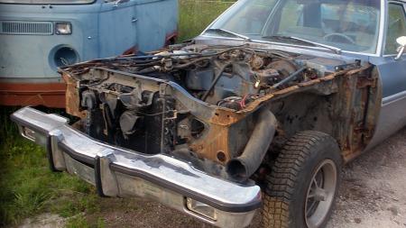 De første Aspen-årgangene var mye plaget av rust, og det finnes en god del også på denne bilen. Men rustsveisingen er i gang, og bilen skal bli fin som ny, lover eieren. (Foto: Privat)