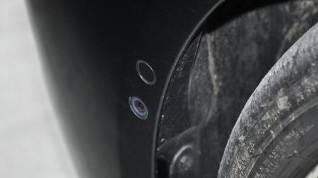 Kamera i hjulbuen foran skal hjelpe deg å