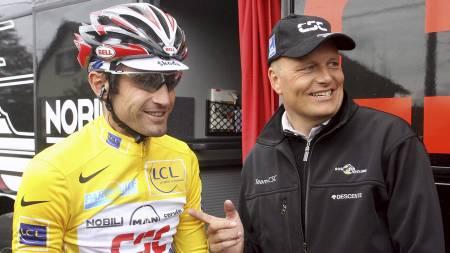 Bobby Julich og Bjarne Riis under tiden i Team CSC. (Foto: FRANCK   FIFE/AFP)