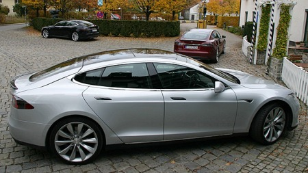 De tre første Tesla Model S på europeisk jord. Litt kult å tenke på at Norge så langt er det klart største markedet i vår verdensdel.