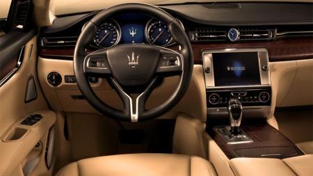 Slik ser det ut innvendig i Maseratis toppmodell Quattroporte. Nye Levante blir neppe mindre eksklusiv.