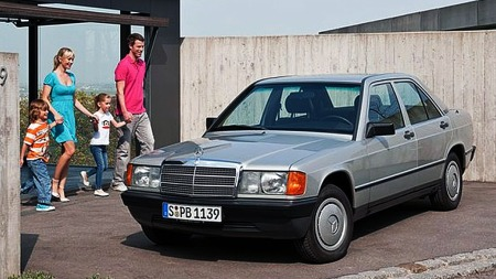 190 åpnet døren til et nytt marked for Mercedes på tidlig 80-tall. Den bragte et hint av luksus inn i det stadig voksende kompakt-markedet, og ble en innstegsmodell for en yngre kjøpergruppe.