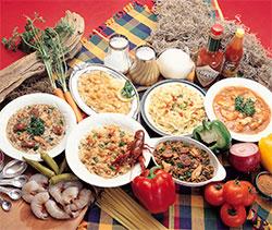 Det kreolske kjøkkenet ble til rundt Lousiana i USA, og er en smakfull blanding av fransk, spansk, portugisisk, italiensk , og afrikansk mat. Den er også inspirert av indianernes kokekunst.  (Foto: Wikimedia Commons)