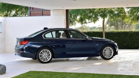 BMW 3-serie gikk helt til topps i år, som i fjor