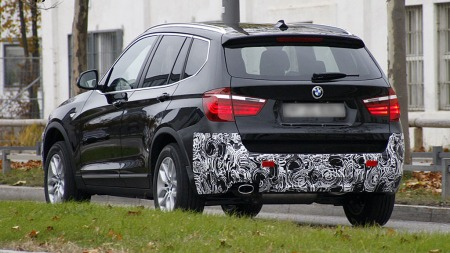 Baklyktene blir etter alt å dømme ikke forandret, men BMW endrer på støtfangeren bak. (Foto: Scoopy)