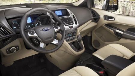 Høy personbilfaktor også over dashbordet. Ford tilbyr mye utstyr og mulighet for å skreddersy bilen etter behov - og lommebok.