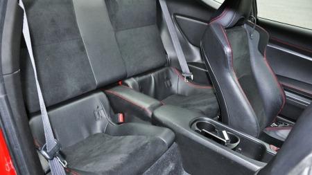 Toyota GT86 interiør bakseter