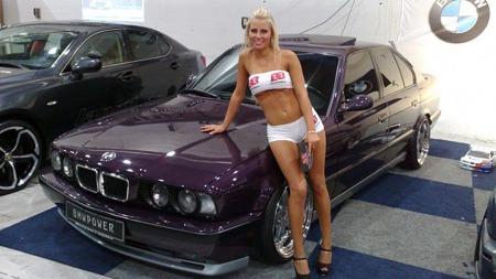 Også damene vet å sette pris på en vaskeekte M5, forstår vi på dette bildet. (Foto: Privat)