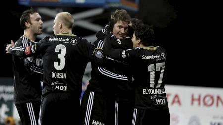 HER: Jubler Strandberg for 1-0-scoringen mot Hønefoss. (Foto: Solum, Stian Lysberg/NTB scanpix)