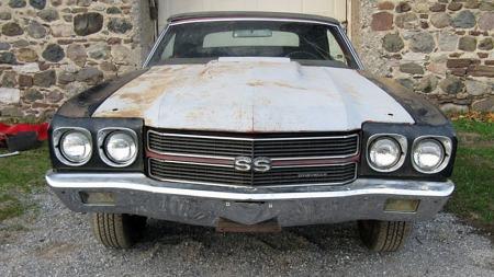 I restaureringen har bilen også fått option-panseret med aktivt