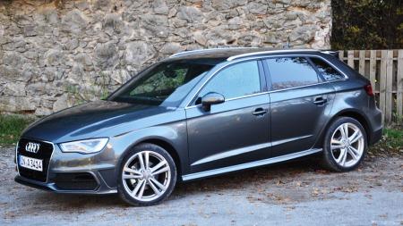 Audi A3 SB grå skrått forfra