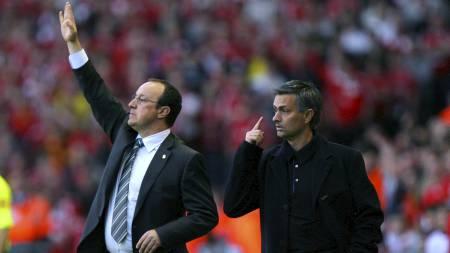 I ORDKRIG: Rafel Benitez og Jose Mourinho var i heftig ordkrig i 2007. (Foto: CARL DE SOUZA/AFP)