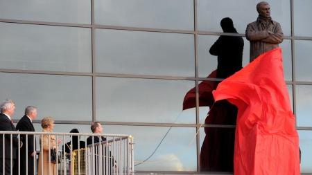 Ferguson-statue (Foto: Martin Rickett)