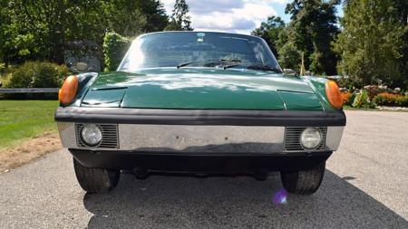 Det er mulig å forstå hvorfor mange oppfattet 914 som litt frosk-aktig   i utseende, ikke minst når bilen er grønn. (Foto: eBay.com)