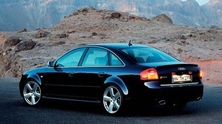 Audi RS6 2002. Illustrasjonsbilde.