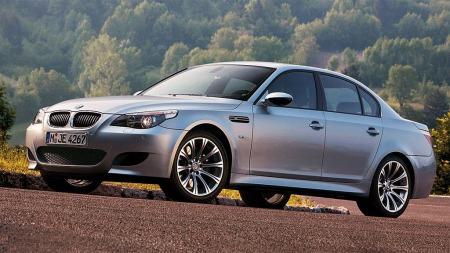 BMW M5 2004. Illustrasjonsbilde.