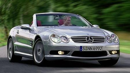 Mercedes SL AMG 2003. Illustrasjonsbilde.