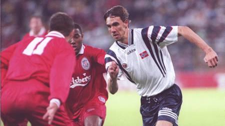 Lundekvam, Norge mot Liverpool i 1996 (Foto: Holm, Morten/NTB scanpix)