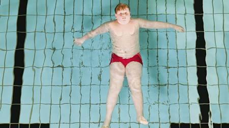 TUNGE ARGUMENTER: En ny finsk befolkningsstudie viser at høy kroppsmasseindeks er arvelig. En ikkerøykende mamma med BMI på 30 og en far med tilsvarende BMI (30) gir høy risiko for at også barnet utvikler fedme. Les hvilke enkle grep du kan ta slik at både du og familien din får et lengre og sunnere liv. (Foto: Illustrasjonsfoto/Colourbox/Image Source)