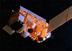 Soumi NPP-satellitten går i en bane som gjør at den alltid ser nattsiden til jorden, 824 kilometer over oss. (Foto: NASA)