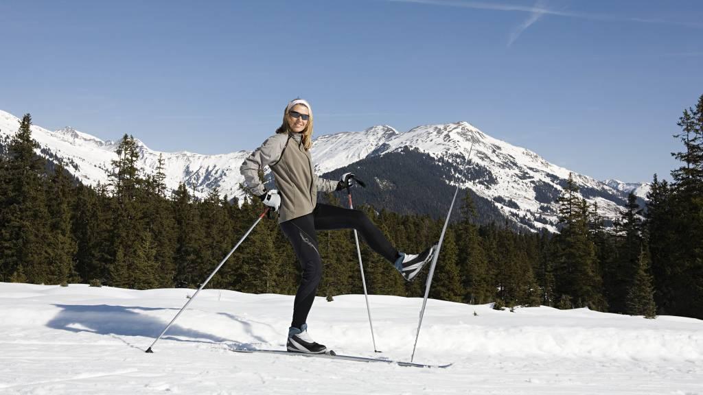 tv2 hjelper deg Ski