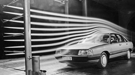 1983 Audi 100: Bilen som gjorde aerodynamikk sexy