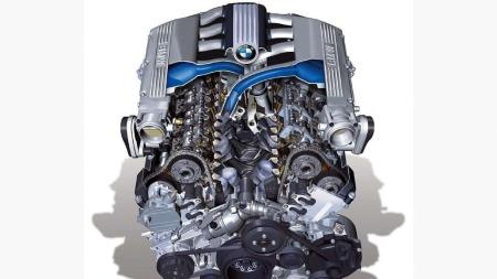Dette er kraftkilden i BMW 760: 6-liter, 12 sylindre og best av alt 444 hk.