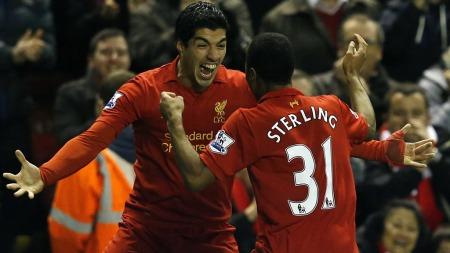 MESTERLIG: Luis Suárez og Raheem Sterling lekte med Sunderland hjemme på Anfield. (Foto: PHIL NOBLE, ©PN/DS/ML)