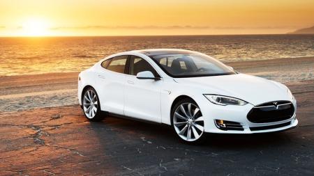 Elbilen Tesla S er blitt svært så populær blant nordmenn - og det var den alt FØR prisene ble klare.