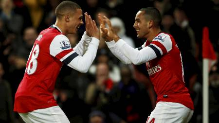 MØTES CITY: Arsenal og Theo Walcott møter Manchester City søndag. (Foto: EDDIE KEOGH/Reuters)