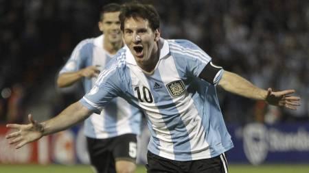 IKKE FORNØYD: Lionel Messi vil bli enda bedre. (Foto: Eduardo   Di Baia/Ap)
