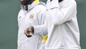 IVORIANSKE BRØDRE: Yaya og Kolo Touré drar fra Manchester til Sør-Afrika for å spille for Elfenbenskysten i Afrikamesterskapet. (Foto: JON SUPER/Ap)