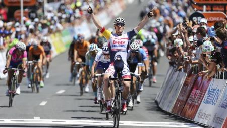 OVERLEGEN: André Greipel spurtet inn til etappeseier i Tour   Down Under. (Foto: Mark Gunter, ©AD)